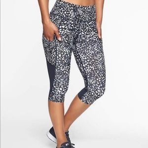 NWT Athleta up for anything crop size xxs